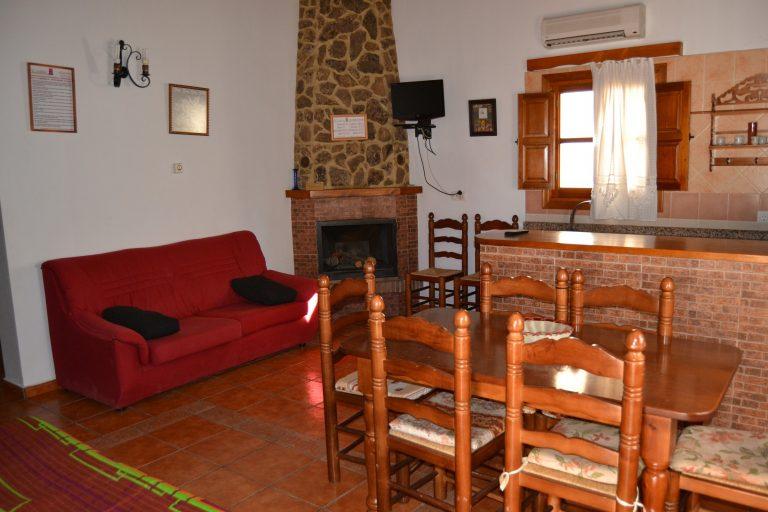 Casa rural Alberquilla salón comedor