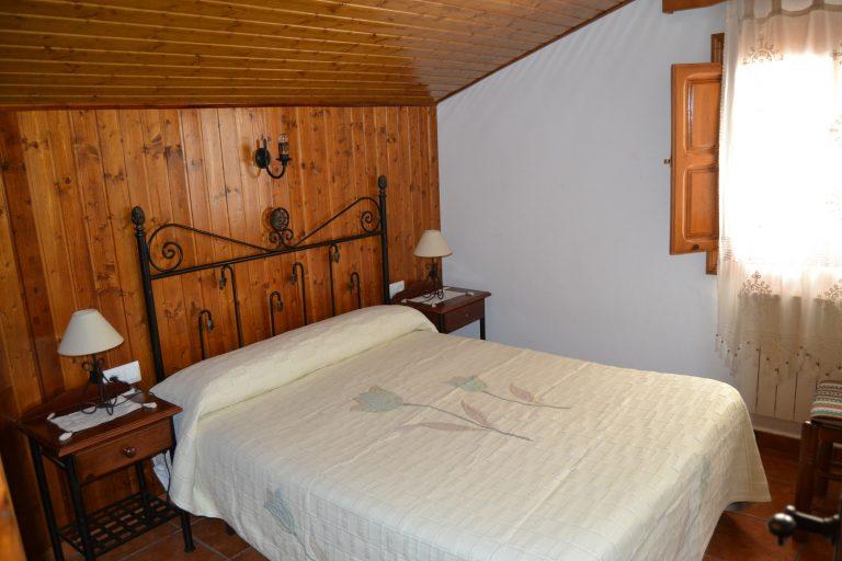 Dormitorio matrimonio casa rural